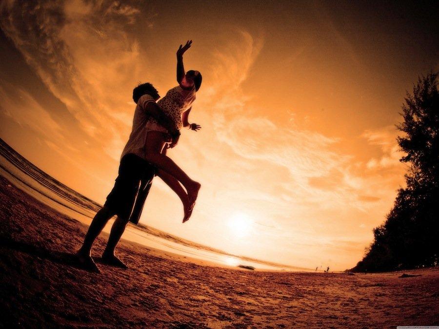 Любите только такого человека, который ради вас готов бороться со всем миром!
