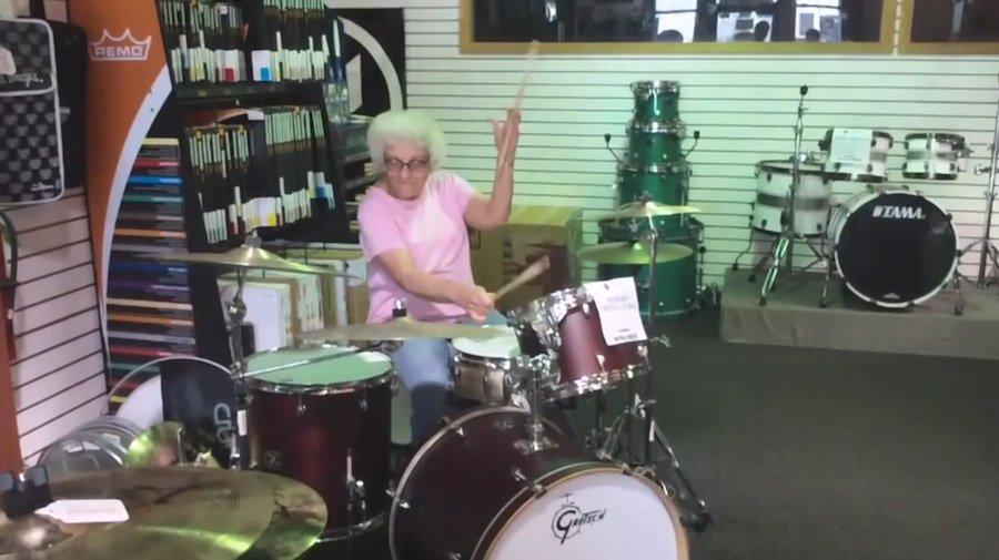 Бабушка впервые взяла в рот смотреть бесплатно фото 84-372