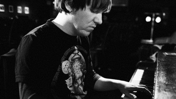 10 известнейших теорий заговора о смерти популярных музыкантов