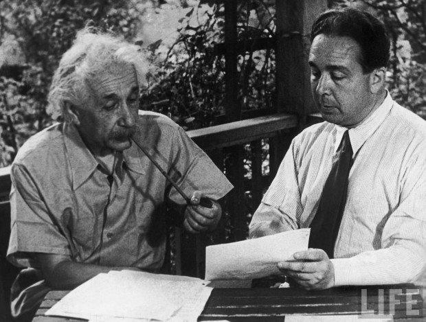 Альберт Эйнштейн и Лео Силард