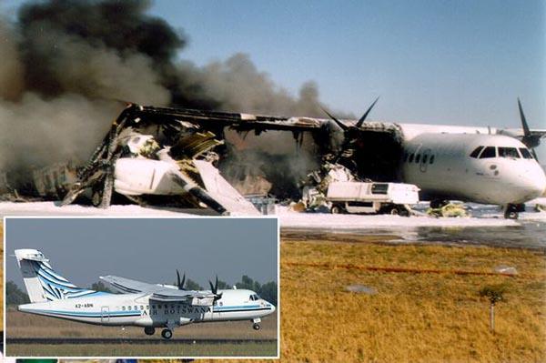 Разбитый самолёт авиакомпании Эйр Ботсвана
