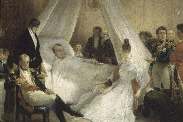 Люди вокруг кровати с мирающим