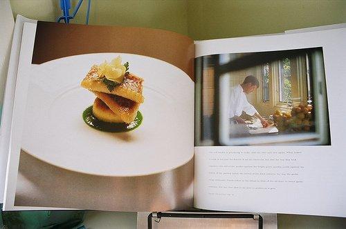 Книга с кулинарными рецептами