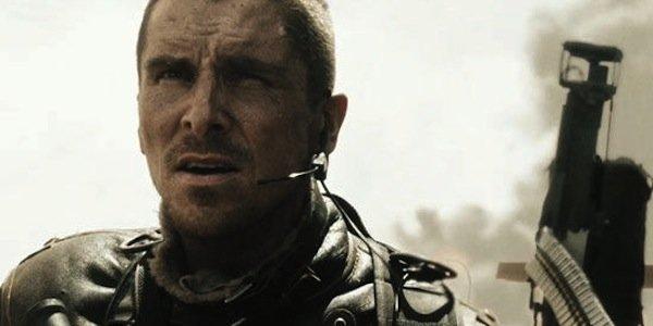 Солдат с автоматом- кадр из фильма