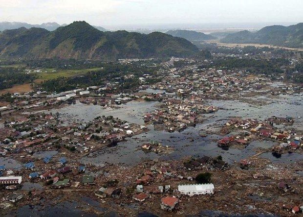 Поселение на Шри-Ланке, разрушенное цунами в 2004 году