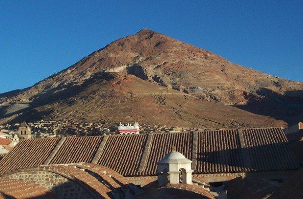 Священная гора Эль-Серр-Рико в Боливии