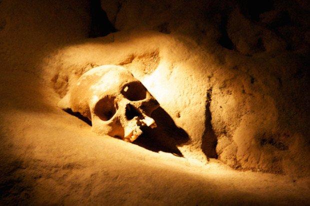 Такие пещеры вполне могли быть воротами в потусторонний мир