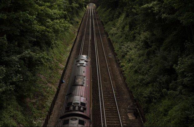 Железнодорожный состав бороздит просторы Британии