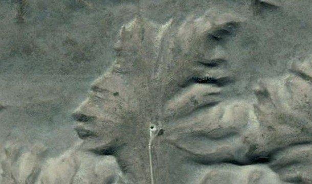 Страж Пустоши возле города Мэдисен Хэт. Вид с самолёта