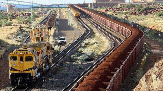 Локомотив на железной дороге