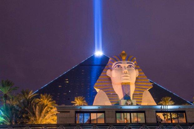Луч отеля Luxor