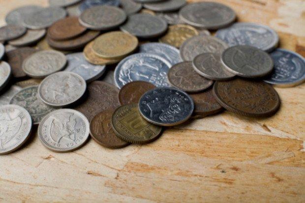 Много монет разного номинала