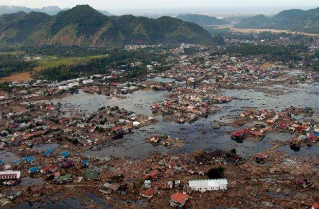 Побережье Индийского океана после цунами 2004 года