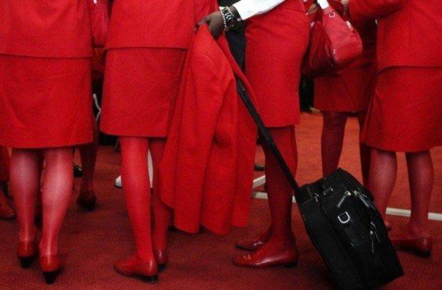 Девушки в красных юбках