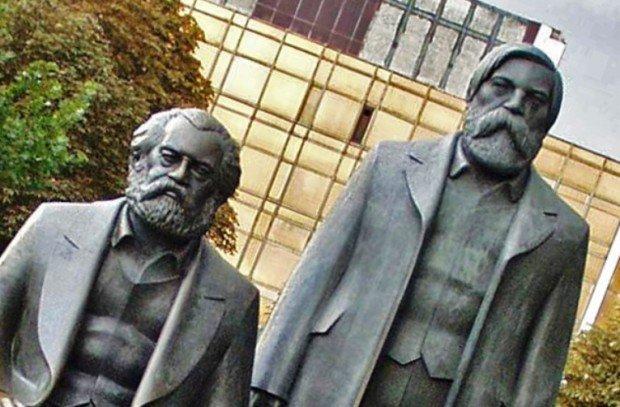 Памятник Марксу и Энгельсу