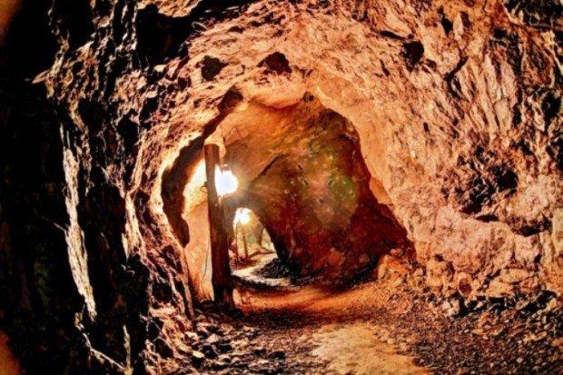 10 самых необычных школ на Земле. Внутри пещеры