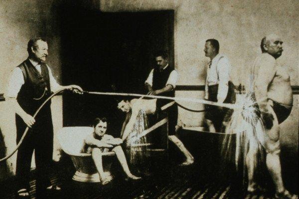 Мужчины и водные процедуры