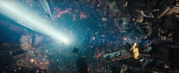 Уничтожение Метрополиса, кадр из фильма Человек из стали