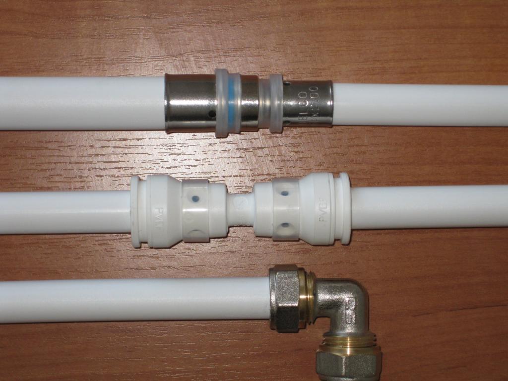 Сборка металлопластиковых труб