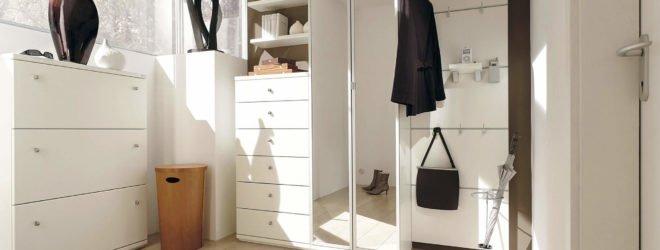 Комоды — идеальная мебель для узких прихожих