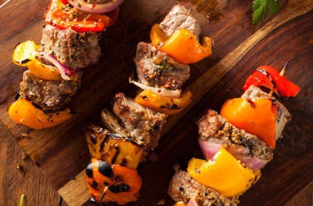 Шашлык из мяса с овощами