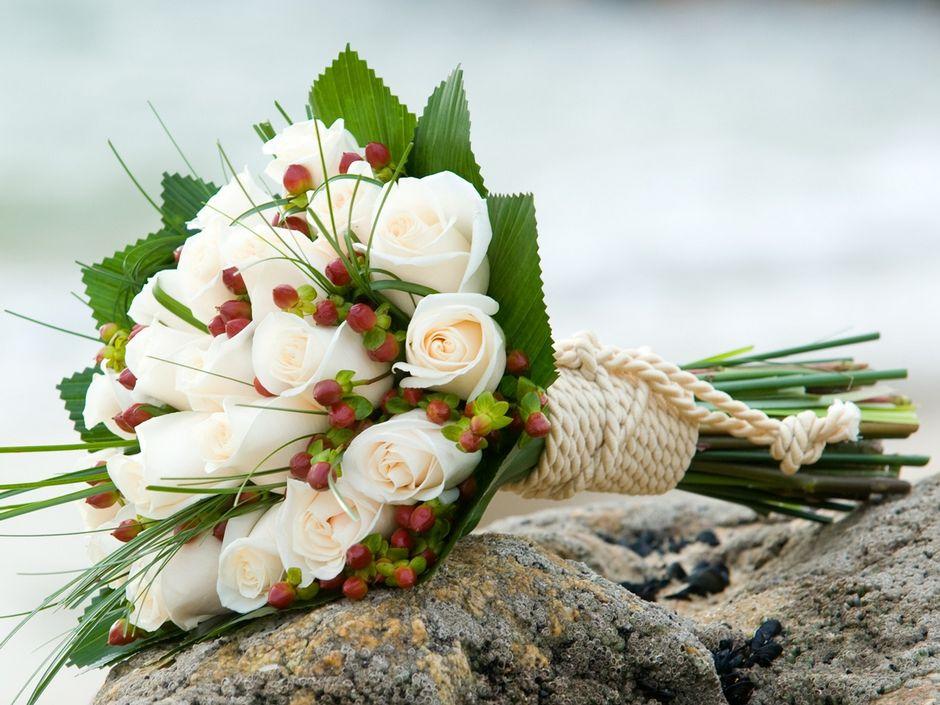 Доставка цветов на праздники