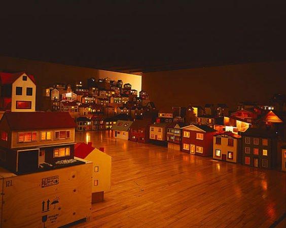 Деревня из кукольных домиков