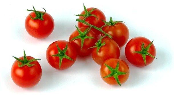 Как быстро разрезать томаты-черри