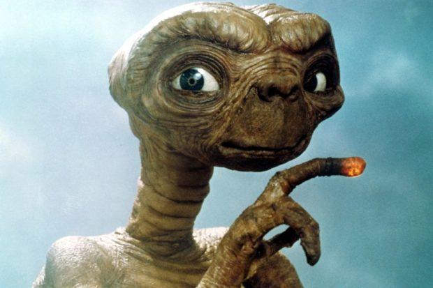 кадр из фильма «Инопланетянин»