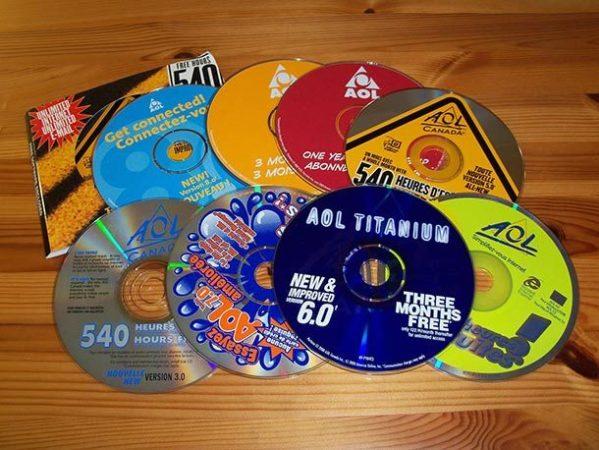 AOL потратила 300 миллионов на CD