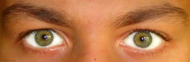 Зеленые глаза у мужчины