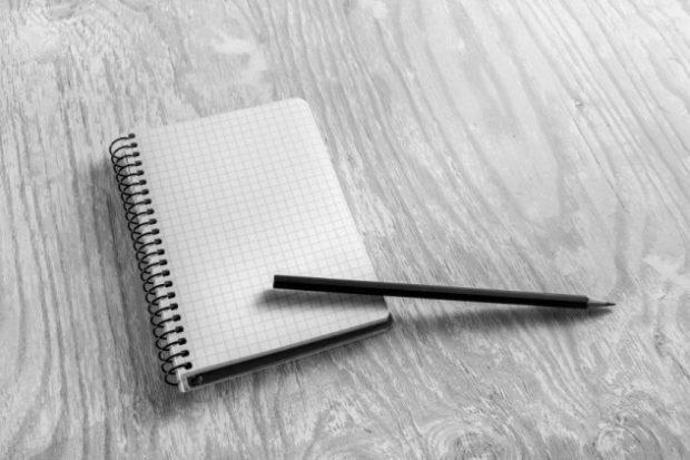Блокнот и карандаш
