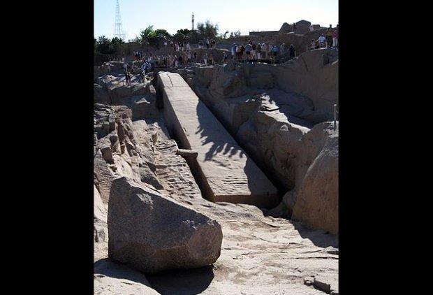 Асуанские гранитные каменоломни