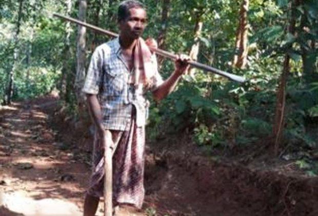 Житель индийской деревни Джаландхар Наяк