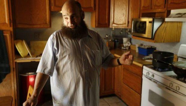 Мухаммед Бзик на своей кухне
