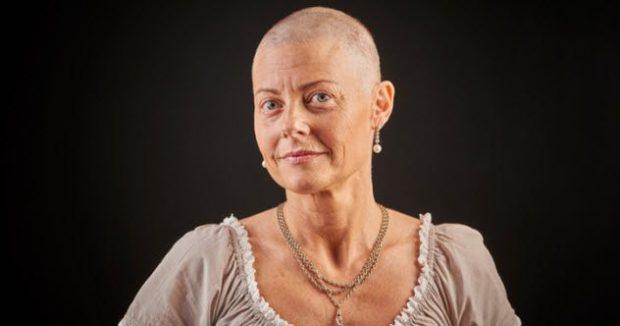 Женщина после хмиотерапии