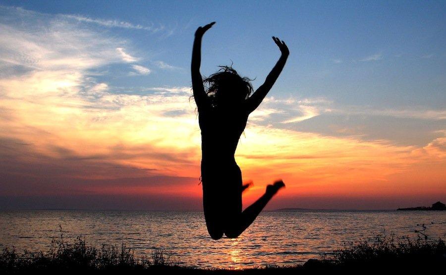 8 ежедневных научно-проверенных мелочей, которые сделают вас намного счастливее