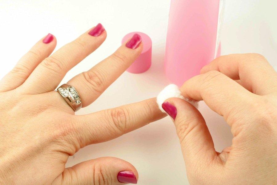 6 косметических средств из вашей ванной комнаты, которые на самом деле не работают