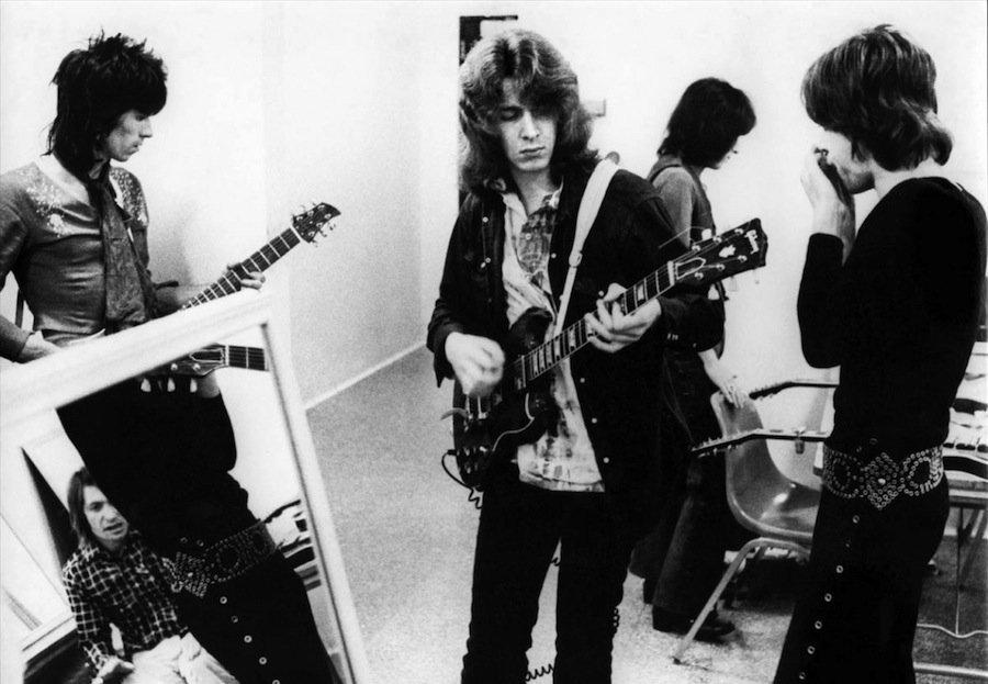 10 лучших гитарных риффов всех времён по версии «Total Guitar»