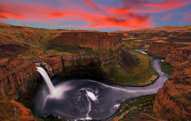 Водопады Пэлоус в Вашингтоне