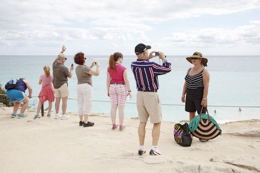 5 распространённых мифов о путешествиях за границу
