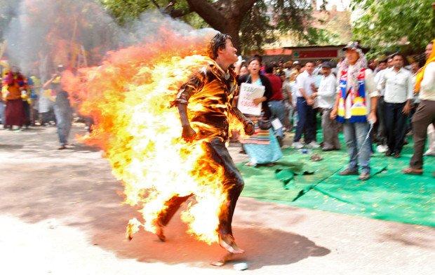 10 самых экстремальных и страшных протестов против чего-либо