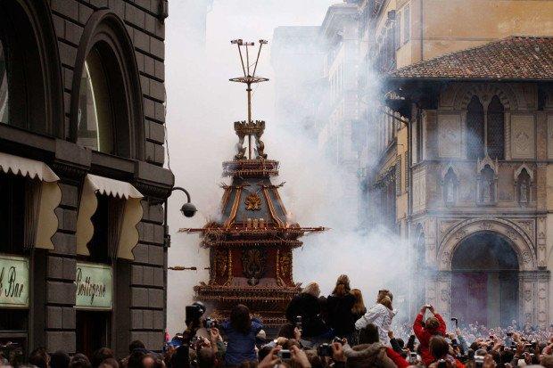 10 самых странных пасхальных традиций со всего мира