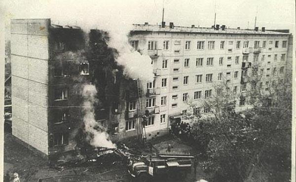 Жилой дом, пострадавший от самолёта Ан-2