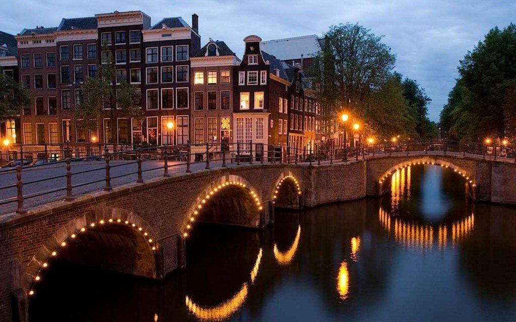 Огни Амстердама
