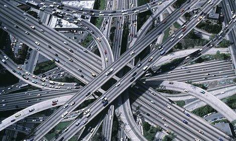 Пересекающиеся дороги с автомобилями