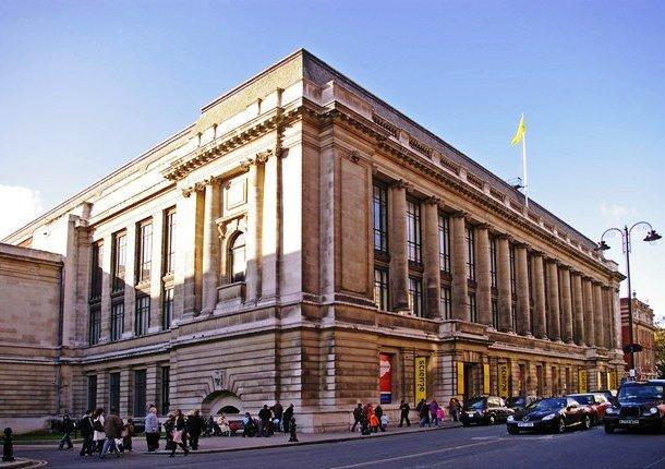 Здание музея науки Лондон, Великобритания