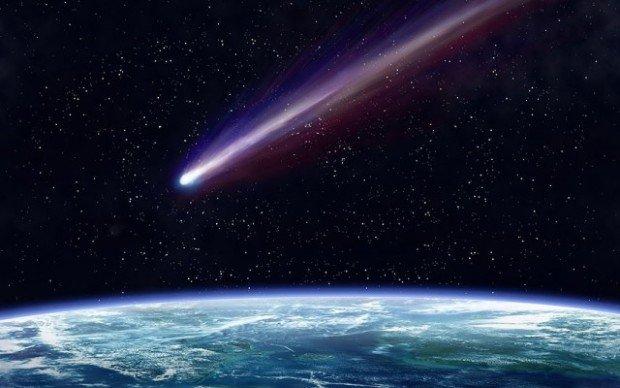 Комета в космосе