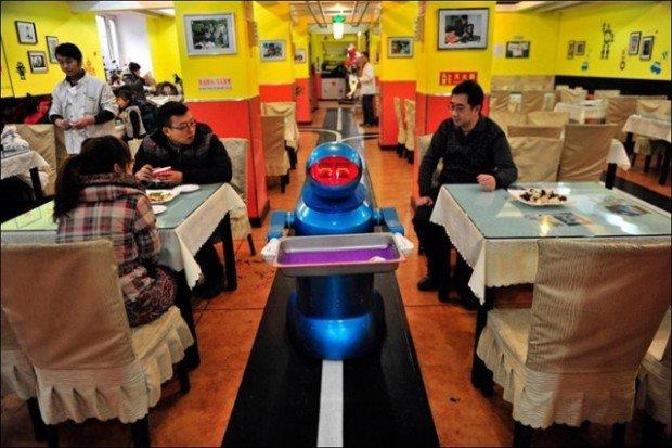 Роботы-официанты