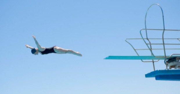 Прыжок с плавательной вышки
